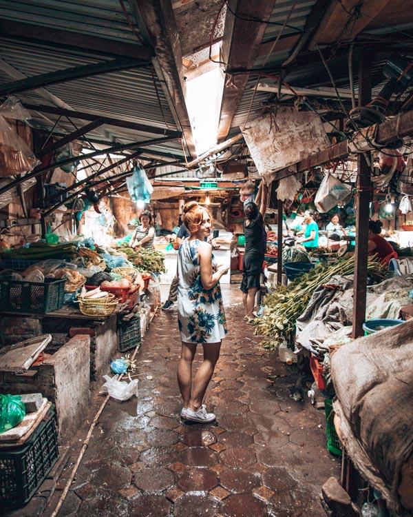 hanoi local markets