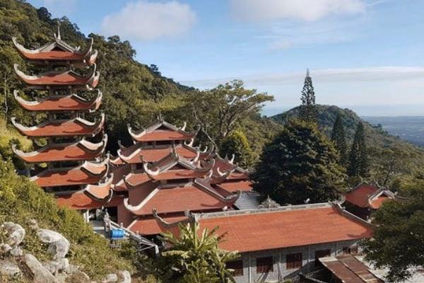 Linh-Song-Truong-Pagoda-Vietnam-Mui-Ne