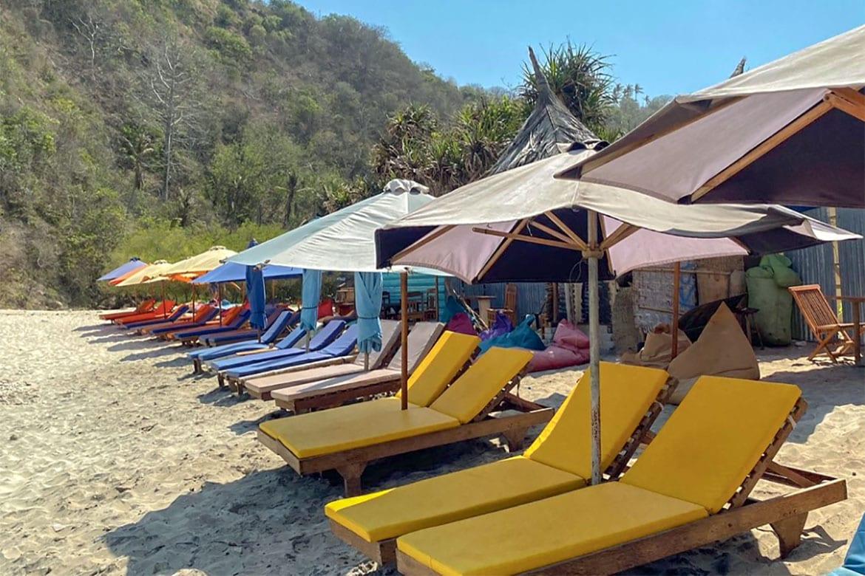 Atuh Beach Nusa Penida chairs