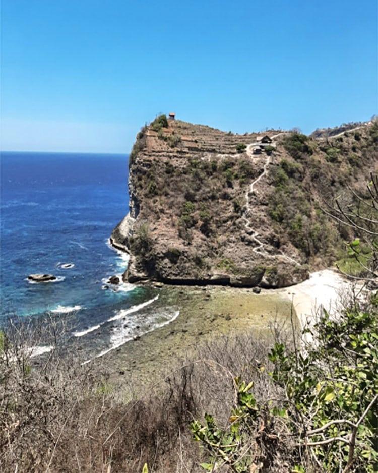 Atuh-Beach-Nusa-Penida-stairs2