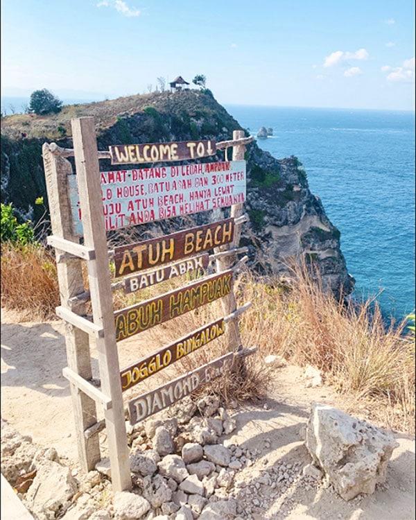 Diamond Beach and Atuh Beach Sign