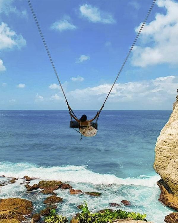 Diamond Beach Nusa Penida Swing